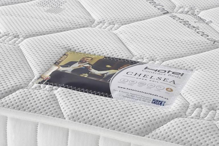 Chelsea Zip And Link Bed