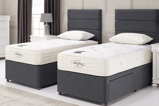 Regal 2000 Zip And Link Bed